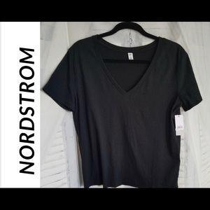 NWT Nordstrom Women's Black V-Neck T-Shirt